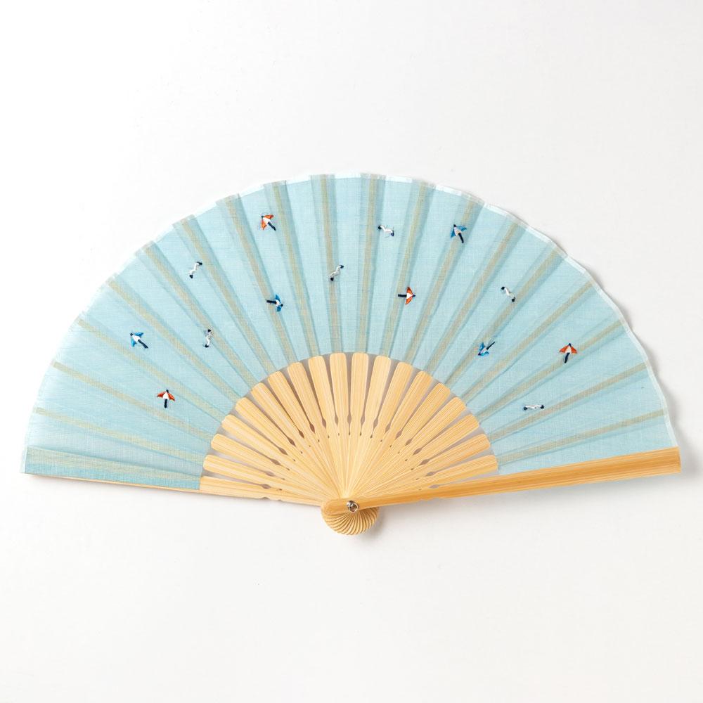 ちらし刺繍扇子2020 カモメとパラソル 刺繍入り布貼り扇子 男女兼用 スーベニール Sensu fan