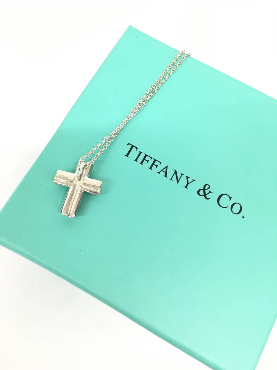 Tiffany&Co.(ティファニー)クロスネックレス シルバー レディース Aランク [委託倉庫から出荷]