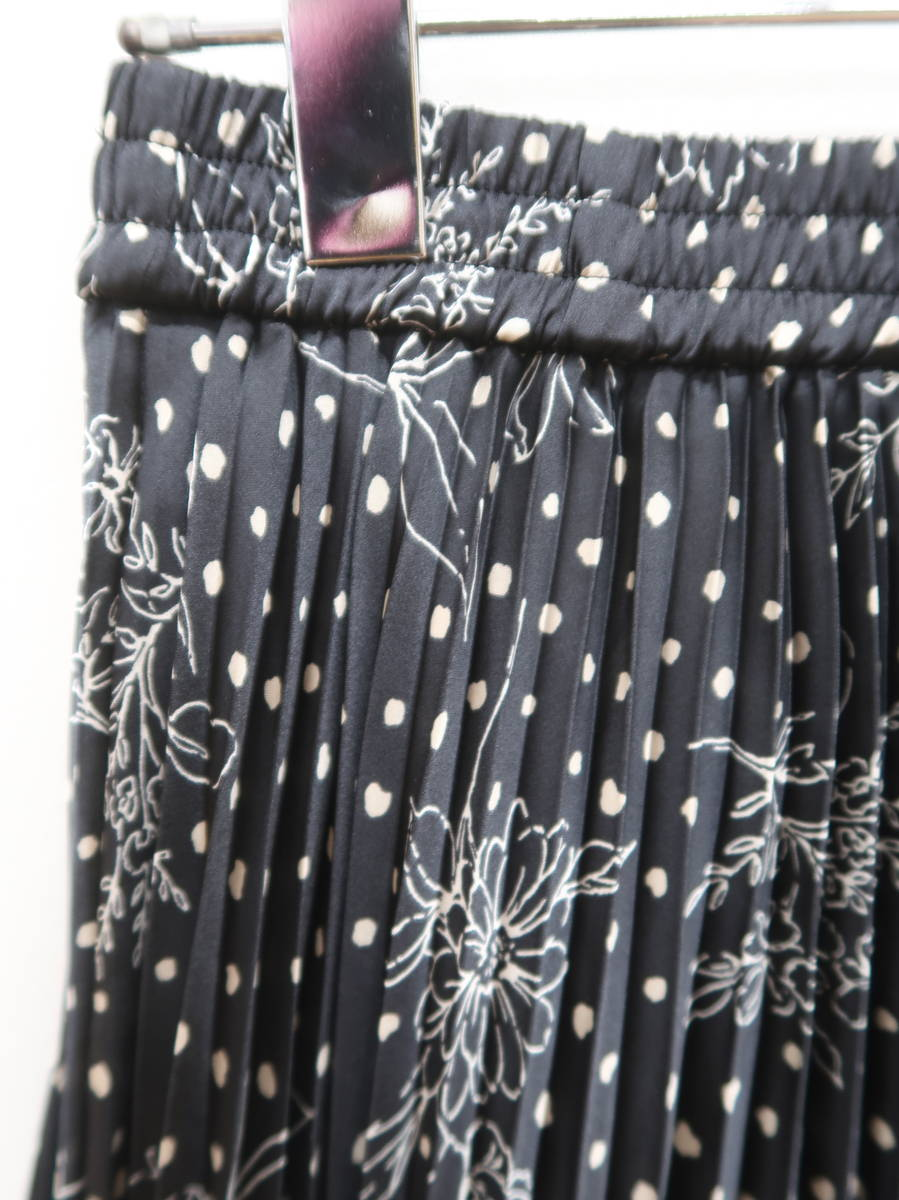 PROPORTION BODY DRESSING(プロポーションボディドレッシング)モノトーンフラワープリントプリーツスカート 黒/ベージュ レディース Sランク M [委託倉庫から出荷]