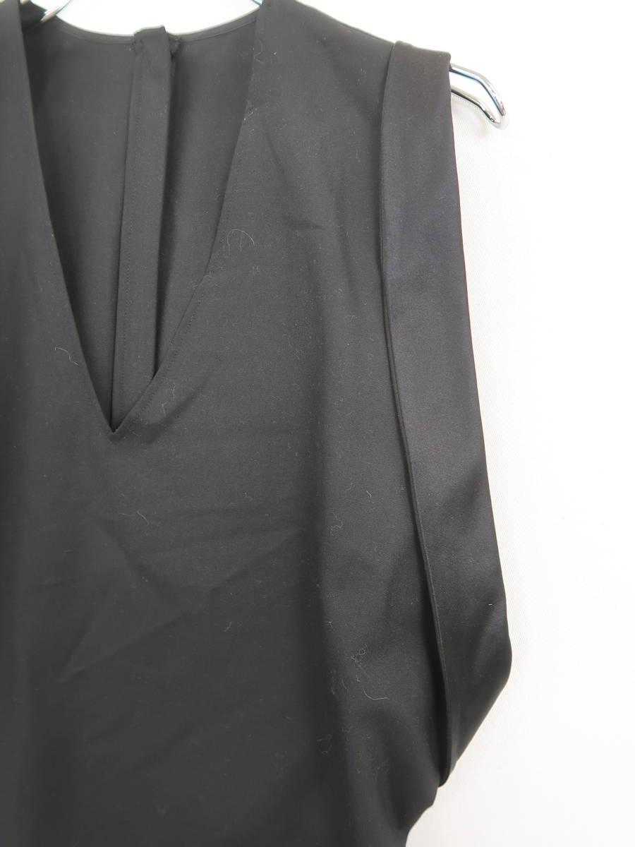 Martin Margiela(マルタンマルジェラ)ジレ風Vネックトップス ノースリーブ 黒 レディース A-ランク 40 [委託倉庫から出荷]
