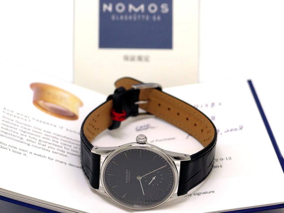 ノモス オリオン OR1713B2 黒文字盤 手巻 OH済 2008年頃 USED