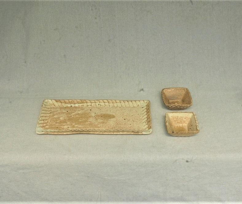 (とみ徳) 長皿と醤油皿のセット