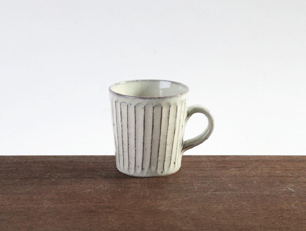 (炎の味がま)信楽焼マグカップ 白彫