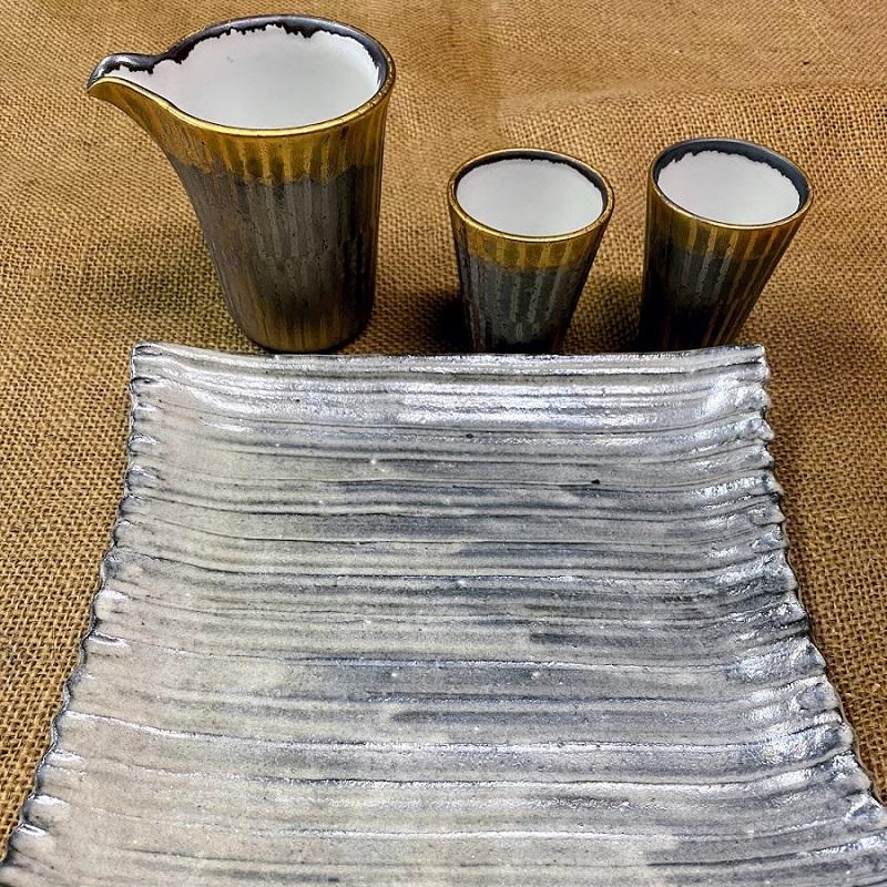 (宝寿窯)角皿1枚、片口酒器1個、ぐい飲み2個、4点セット