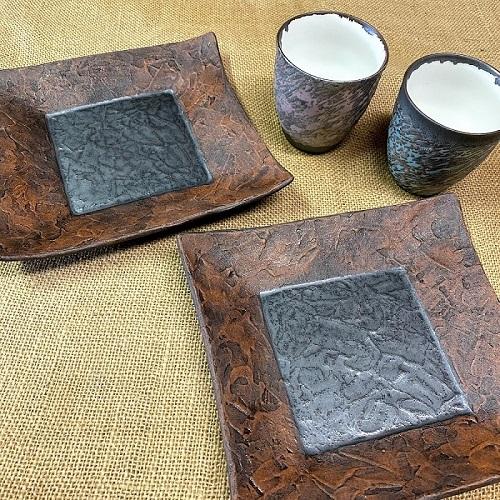 (宝寿窯)クレーペインティング角皿、焼酎カップ3点セット