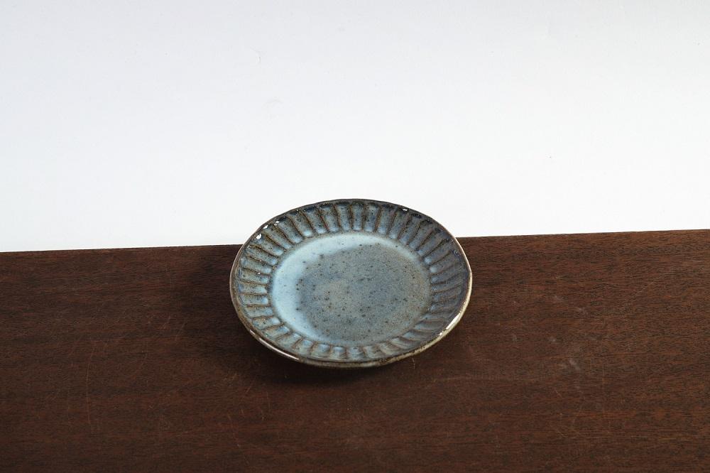 (炎の味がま)信楽焼 丸皿小 青彫