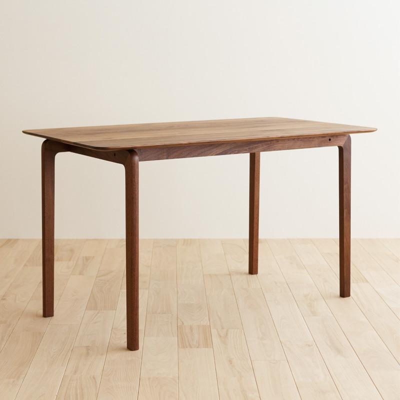リッショ ダイニングテーブル