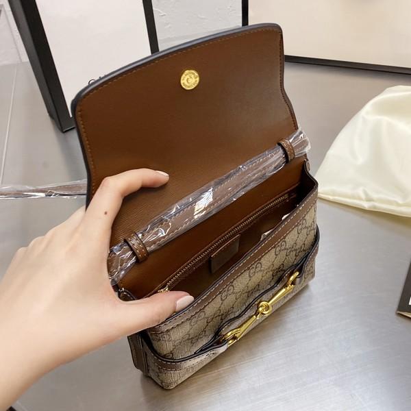 GUCCI グッチ   GG  ショルダーバッグ   サイズ: 22cm 【2021/04/07*200】 商品コード:GEKIYASU  L-004672