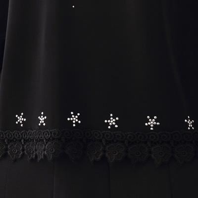 コーラス 衣装 ブラウス カタログ 送料無料 演奏会 大正琴 カラオケ パーティー ジルコン刺繍が豪華に映える発表会用トップス 黒 21453bl