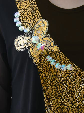 コーラス 衣装 ブラウス 社交ダンス衣装 舞台 ブラウス 演奏会 カラオケ衣装 ステージ衣装 楽器演奏 蝶スパンラメ切り替えデザイントップス ゴールド