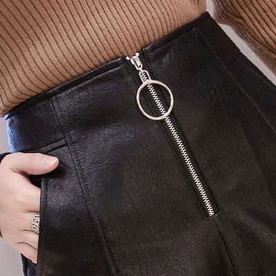 社交ダンス 衣装 ショートパンツ フェイクレザーパンツ  ホットパンツ レディース 合皮 黒 23151