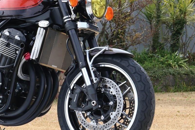 【5月20日入荷予定】 トラスロッド フロントフェンダーブラケット (ブラックペイント) Z900RS