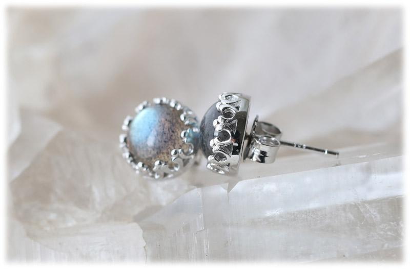 ラブラドライト王冠ピアス【01】【Silver925】石のサイズ7mm