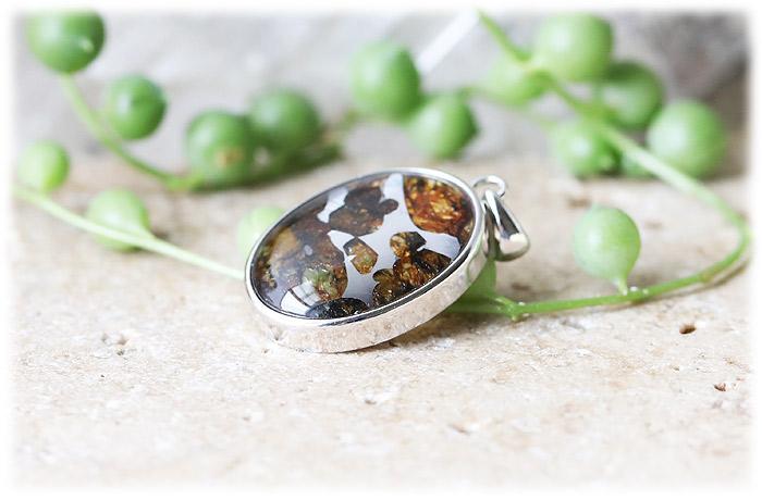 パラサイト隕石ペンダント【05】【オーバル型】【Silver925】石のサイズ21×17×5mm