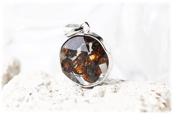 パラサイト隕石ペンダント【09】【クリスタル六芒星】【Silver925】石のサイズ15×7mm