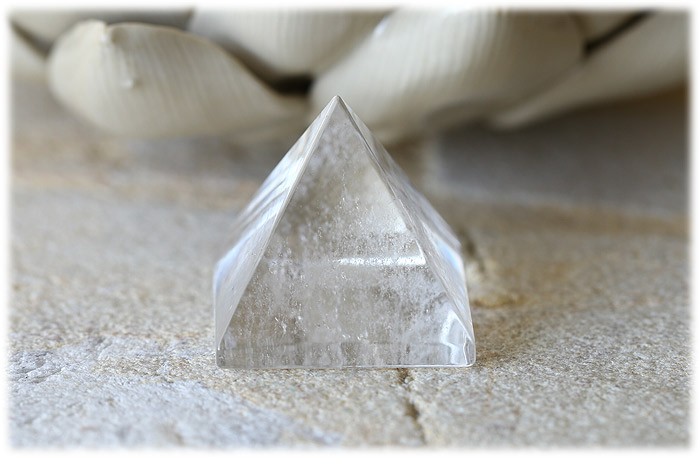 クリスタルピラミッド【石のサイズ30×30×26mm】02