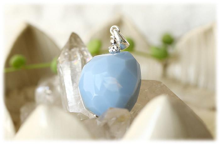 オーウィーブルーオパールチャーム【Silver925】【石のサイズ23×19×16mm】