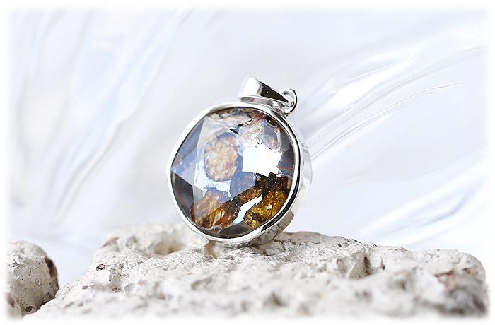 パラサイト隕石ペンダント【クリスタル六芒星】【Silver925】【石のサイズ15×7mm】01