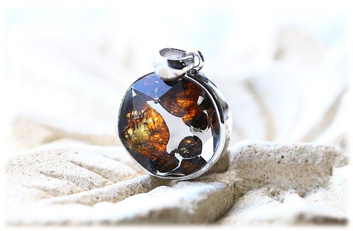 パラサイト隕石ペンダント【03】【クリスタル六芒星】【Silver925】石のサイズ15×7mm