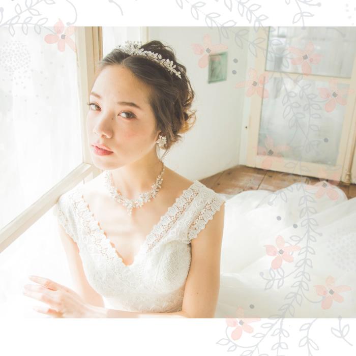 ティアラ【可愛らしいフラワーモチーフ】 T-021*即日出荷可能*花嫁,ウェディング,アクセサリー