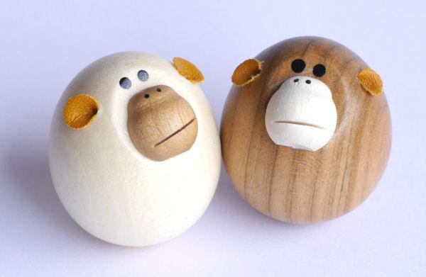 【木製雑貨】【木製縁起置物】 起き上がり さる (セットではありません)