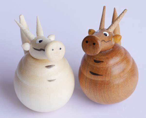【木製雑貨】【木製縁起置物】 起き上がり たつ (セットではありません)