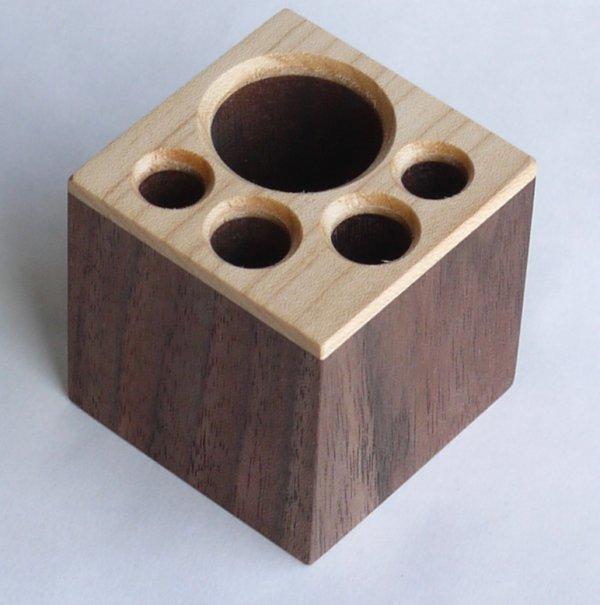 【木製文具】【木のペン立】 ペンスタンドあしあと