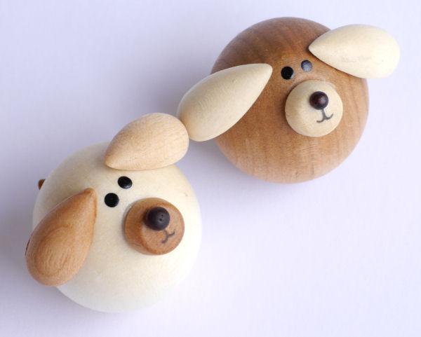【木製雑貨】【木製縁起置物】 起き上がりいぬ (セットではありません)