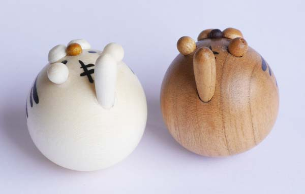 【木製雑貨】【木製縁起置物】 起き上がり とら (セットではありません)