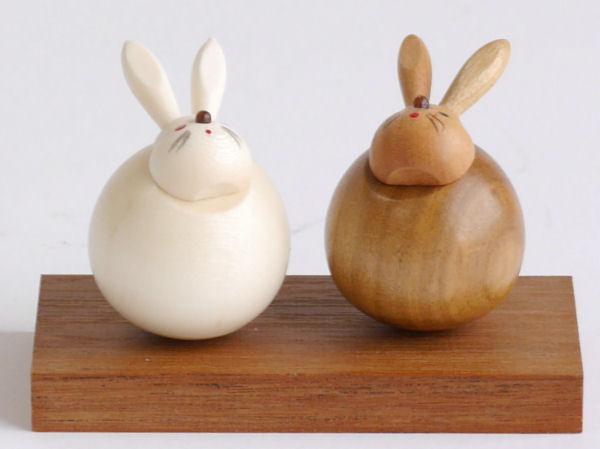 【木製雑貨】【木製縁起置物】 起き上がり うさぎ (セットではありません)