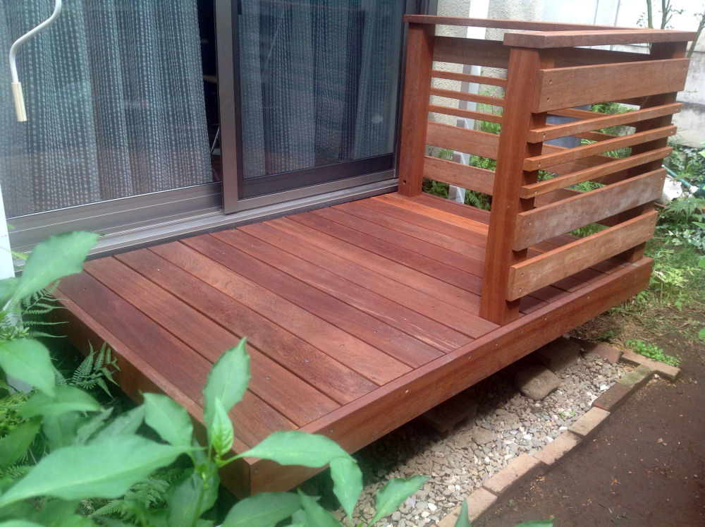 2055×1230mm SS-16 床板:縦張  人工木より強いウリン材利用のキットデッキ!【日本製】