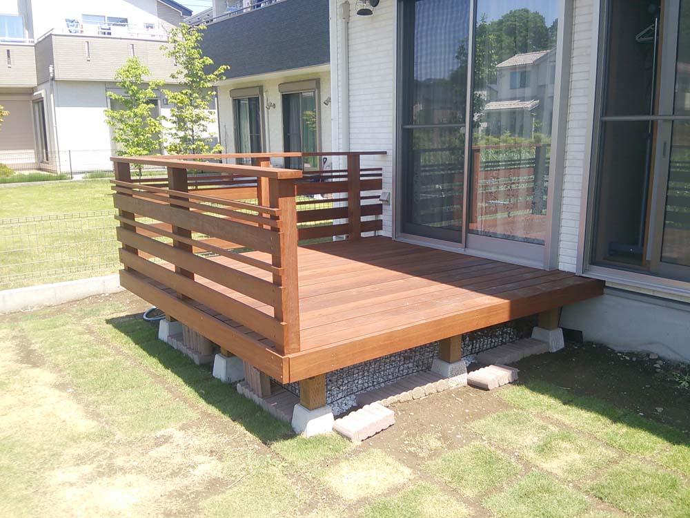 2305×1930mm S-18 床板:縦張  人工木より強いウリン材利用のキットデッキ!【日本製】
