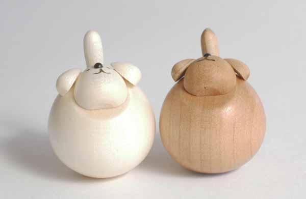 【木製雑貨】【木製縁起置物】 起き上がりいぬ(新) (セットではありません)