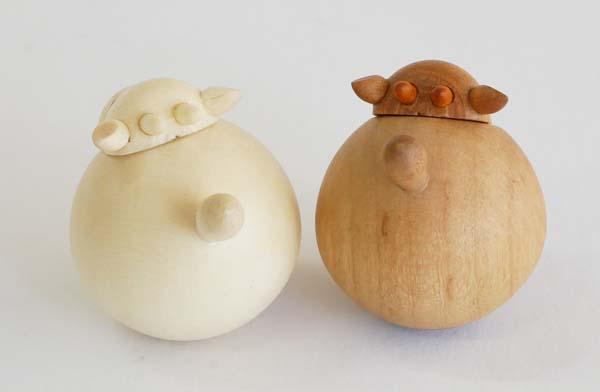 【木製雑貨】【木製縁起置物】 起き上がり うし(新) (セットではありません)