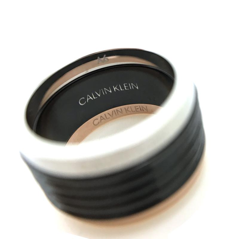 CALVIN KLEIN リング・指輪 KJ7MBR3001 ゴールド×シルバー×ブラック 3連