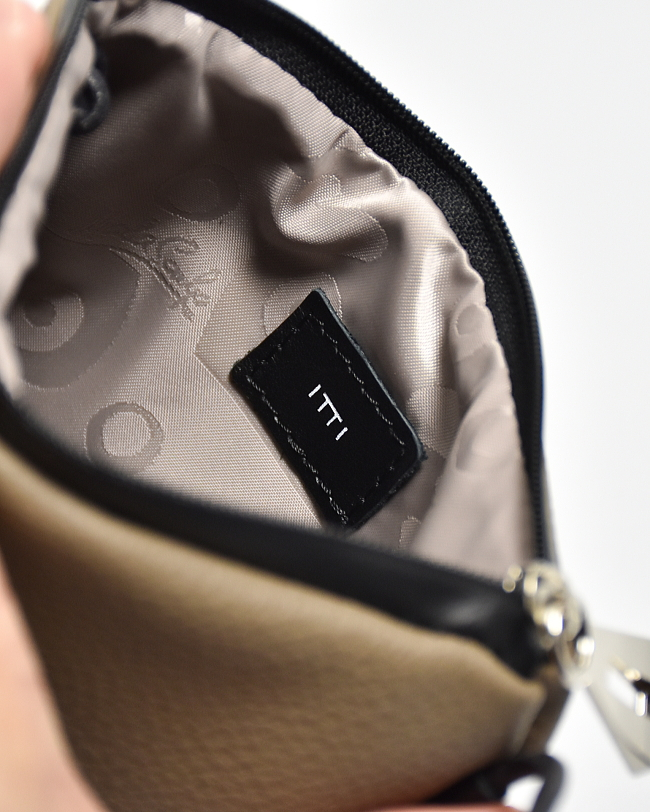 (ITTI-BAG-022-A) ITTI (イッチ) MARY VERY COMPACT SHOULDER / DIPLO FJORD (レザーショルダーバッグ/サコッシュ)【宅配便送料無料】
