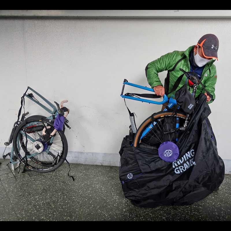 【特急】R250 グラベルバイク用 縦型軽量輪行袋 ブラック フレーム/スプロケット/ローターカバー・ダミーローター・輪行マニュアル・12mmスルーアクスル用エンド金具付属