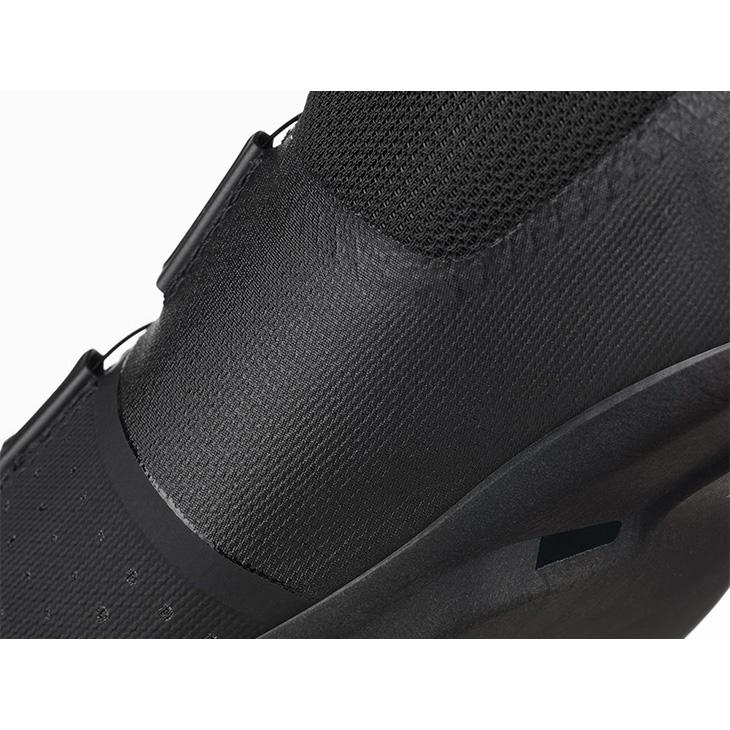 フィジーク R4 テンポ オーバーカーブ BOA ブラック/ブラック FIZIK