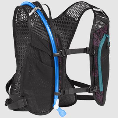キャメルバック チェースバイクベスト 1.5L プラム/ブラックプラム ハイドレーションバッグ