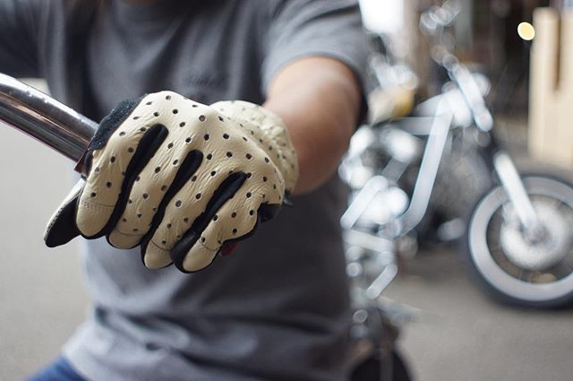 PUNCHING LEATHER GLOVE