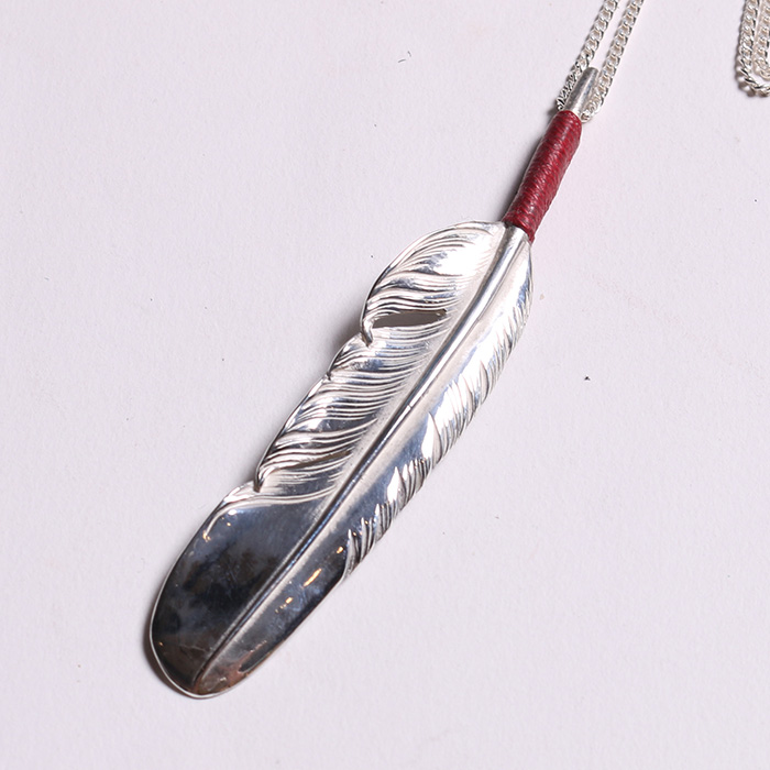FNL-0005 RED RACE FEATHER