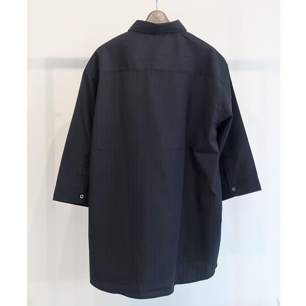 モノトーン系キレイめドビーストライプシャツ