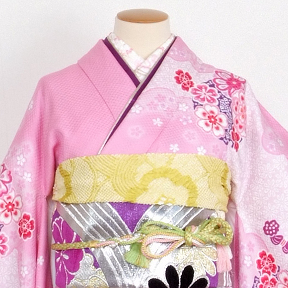 格安!振袖レンタル (2〜11月) 卒業式 結婚式 など  ピンク紫と黒の絞り 【送料無料】【試着可能】51199