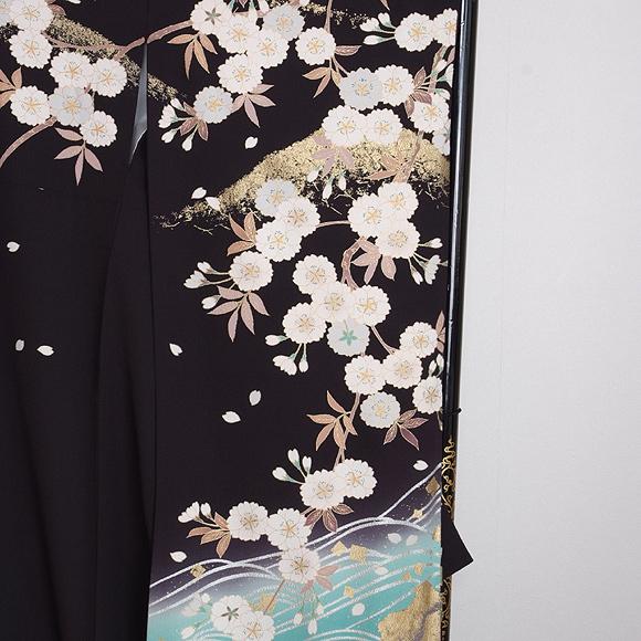 格安!振袖レンタル(2〜11月) 卒業式 結婚式 黒 白の山桜 【送料無料】【試着可能】 510h2