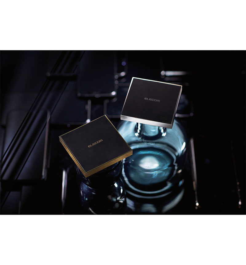 メタル筐体 Qi規格対応ワイヤレス充電器(10W/5W・卓上) ゴールド W-QA11GD