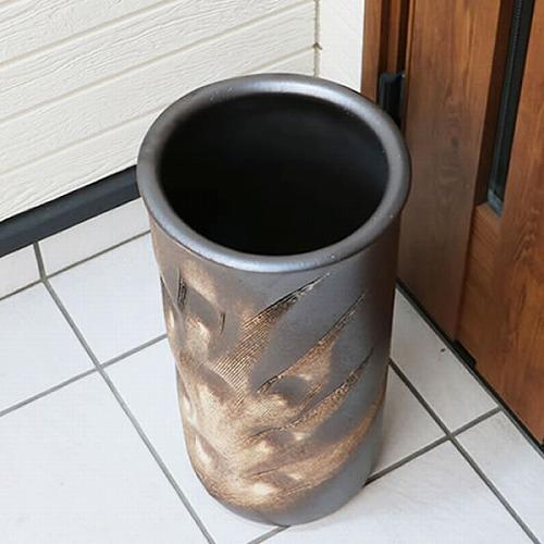 信楽焼きかさたて 黒くし目彫り傘立て 陶器[kt-0162]