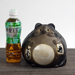 信楽焼きたぬき まんまる狸(中) 陶器タヌキ[ta-0059]