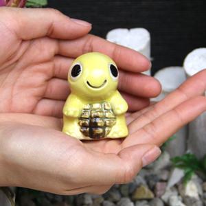 ミニ亀(黄色)  信楽焼かめ置き物[ok-0073]