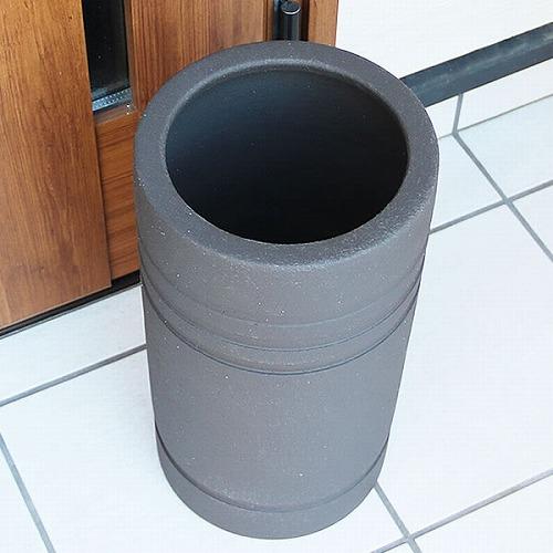 信楽焼かさたて 黒マットライン彫り 傘立て 陶器[kt-0304]