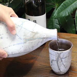 マイナスイオンボトル 信楽焼イオンのしずく(白色)[ss-0072]